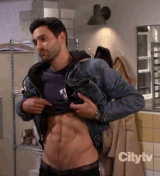 Noah Mills Returns To 2 Broke Girls, Makes Us Stupid Again